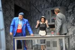 """Alice Fuder - Anna in """"Biedermann und die Brandstifter"""", Stadttheater Bremerhaven. Foto: Heiko Sandelmann"""