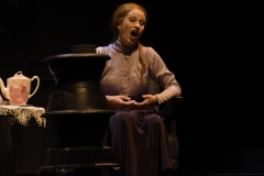 "Alice Fuder - Daisy Bunting in ""The Lodger"", Stadttheater Bremerhaven. Foto: Oktay Bagci"